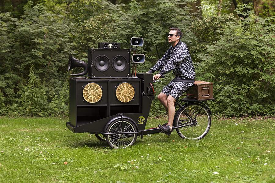Studio Ruwedata - Move around sound - 12v mobile sound system Rotterdam